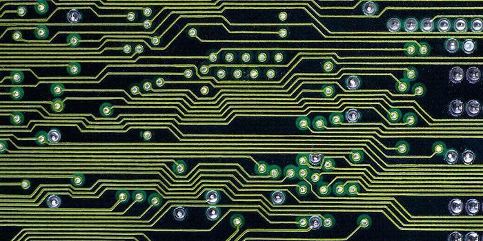 如何从颜色判断多层PCB线路板的质量